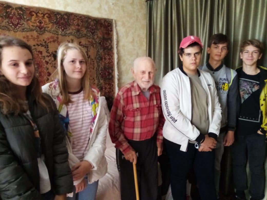 В дни зимних каникул. 4 января 2020. Посещение ветерана Великой Отечественной войны Куницына С.Н.